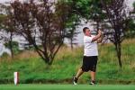 从小爱舞拖把 12岁男孩一年半拿了6个高尔夫冠军 - 教育厅