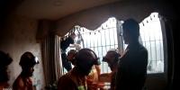 渝北协勤奋力抱举近一小时 3岁小孩得以安全获救 - 公安厅